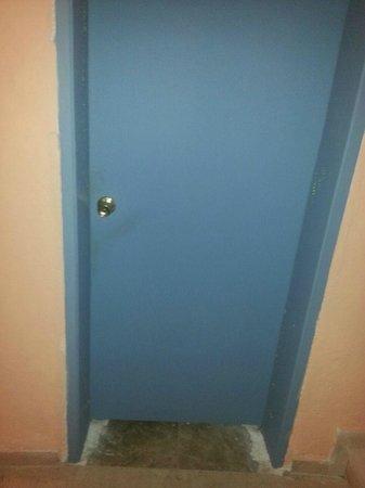 Apollo Hotel : the doors