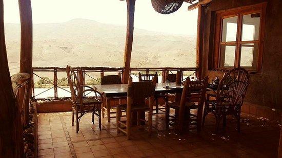 Irocha : Dining area