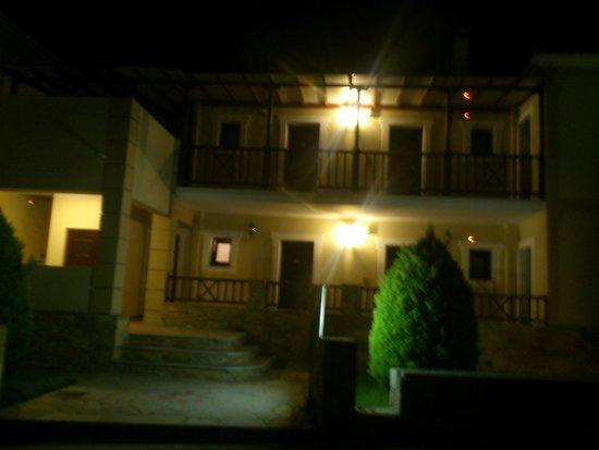 Sun Accommodation: η είσοδος του ξενοδοχείου