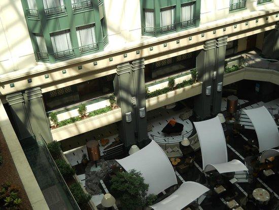Radisson Blu Royal Hotel, Brussels : vista dall'ascensore