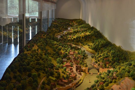 Museum of the Gorge : Model
