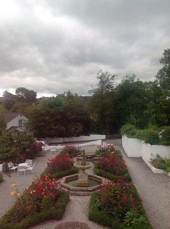 Damson Dene Hotel: garden seating area