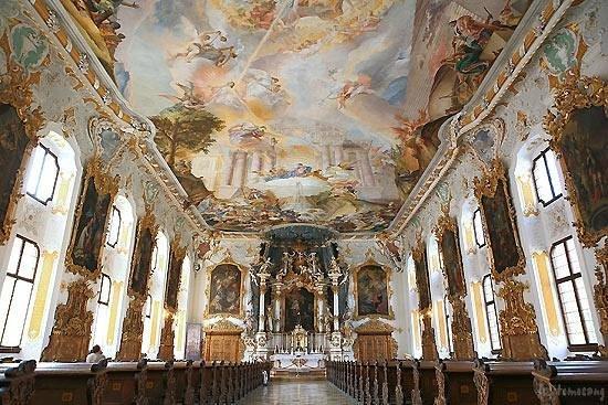 Ingolstadt, Germany: マリア・デ・ヴィクトリア教会 インゴルシュタット
