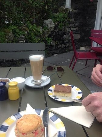 Helvellyn Country Kitchen: super cakes