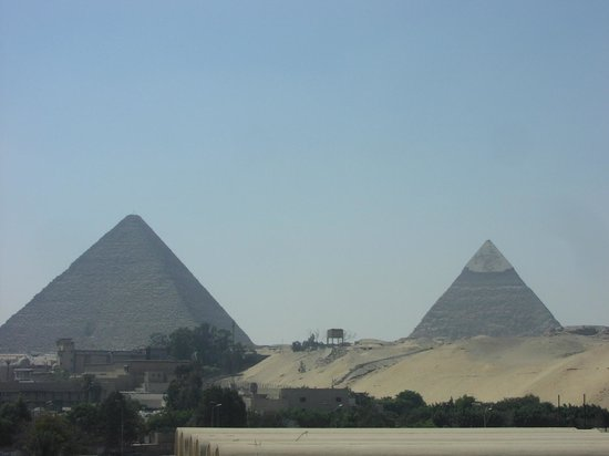 Le Meridien Pyramids Hotel & Spa: Yet another angle...