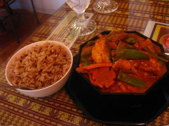 Sombat's Fresh Thai Cuisine: great curry, so fresh tasting