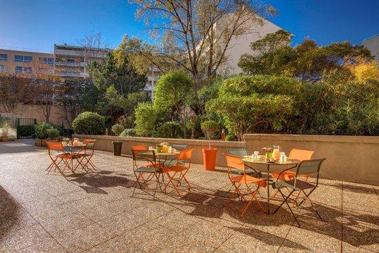 Citadines Castellane Marseille: Terrasse