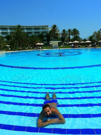Hotel Palace Oceana Hammamet: one of the three swimming pools, the largest