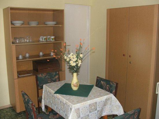 Buttercup Restaurant Pension: Boglárka Apartmanházak (étkező)
