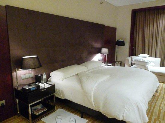 Langham Place, Beijing Capital Airport: ベッド