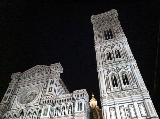 Basilica San Miniato al Monte: Le Duomo la nuit. Magique !