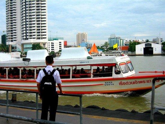 Navalai River Resort: Speed boat