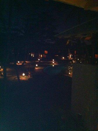 Constance Ephelia : Pool at night