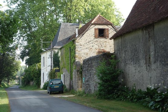 Maison Lespoune : La rue devant la maison