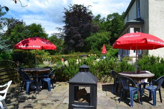 Uplands Hotel: Patio and Garden