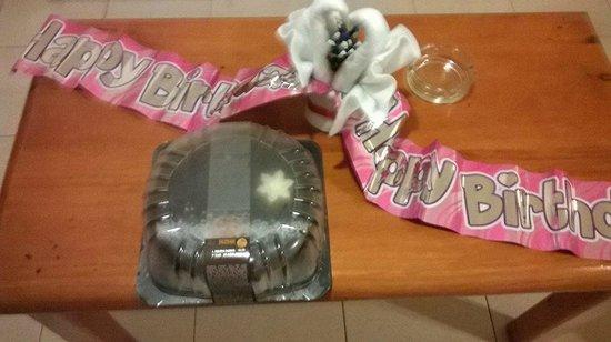 Hotel Malibu Park : birthday cake of the hotel