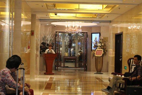 Royal Phoenix Beijing: Dining room