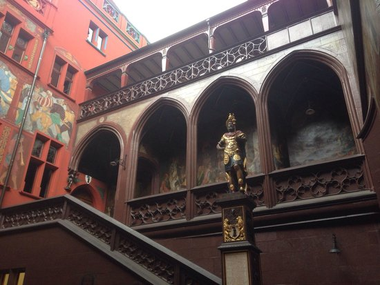 Rathaus: Cortile interno