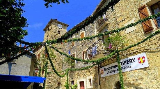 Auberge de Thiery : Très beau village