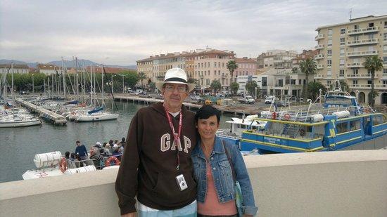 Les Bateaux de Saint-Raphaël : ESPERANDO O BARCO