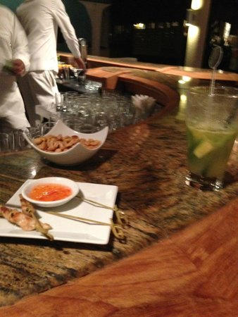 LUX* Grand Gaube : Lovely hor d'oeuvres at the bar