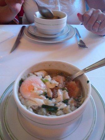 Restaurante Apeadeiro: sopa alentejana