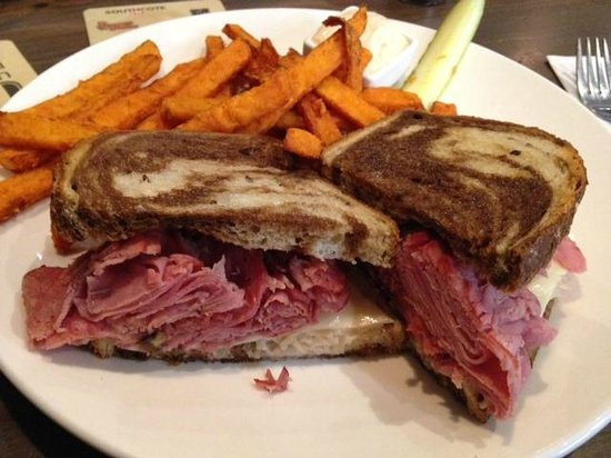 Southcote 53 Tap & Grill: Very nice reuben sandwich with a side of sweet potato fries