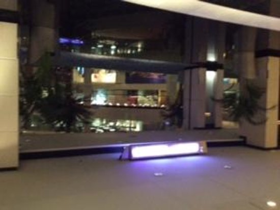 Regal Airport Hotel: Check in level of the hotel
