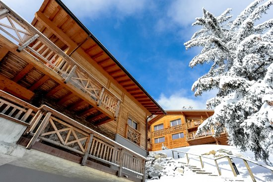 Crans Luxury Lodges: Exterior