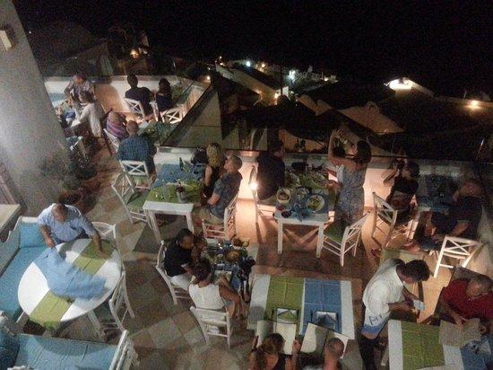 Pirouni : Lower part of restaurant