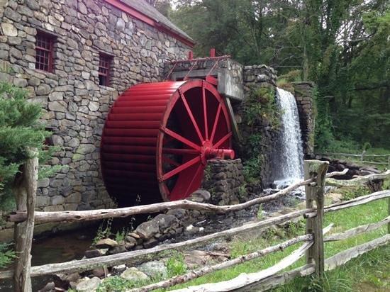 Longfellow's Wayside Inn: The Wayside Inn Grist Mill