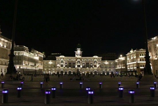Piazza dell'Unita d'Italia : Trieste - Place de l'Unité