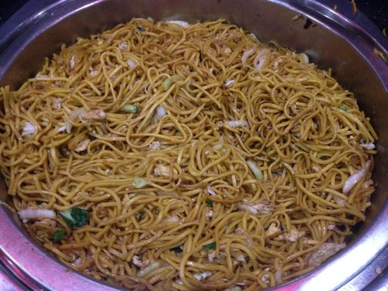 Buddha Belly: Chinese Noodles on a buffet hot plate