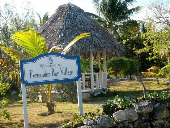 Fernandez Bay Village: Entrée de l'hôtel