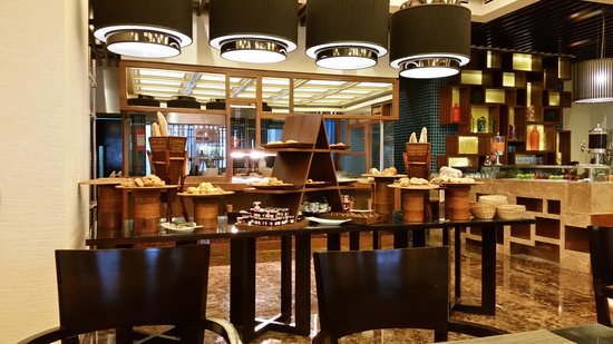 Sheraton Dubai Mall of the Emirates Hotel: Salle petit dejeuner