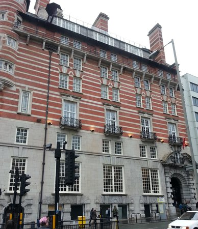 30 James Street, Home of the Titanic: Our room above the entrance by the flagpole