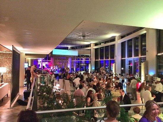 Caribe Hilton San Juan: 50th anniversary Piña Colada party 1 day before closing for renovation