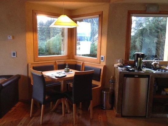 Lirolay Suites: Mini cozinha