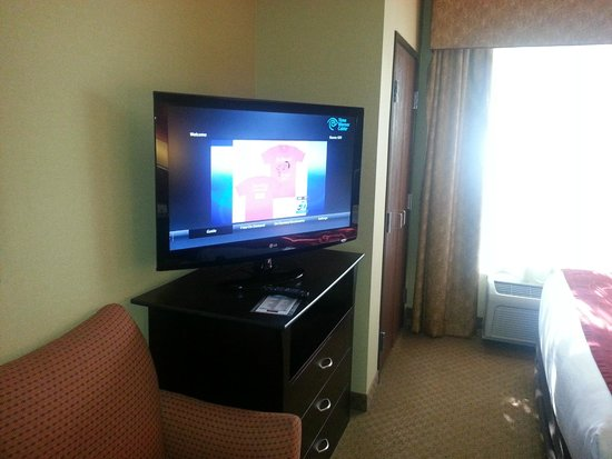 """Comfort Suites Ontario Convention Center: Nice new 42"""" HD TV"""