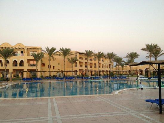 Jaz Samaya Resort: Pool im Innenbereich