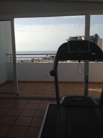 Seaside Sandy Beach: If every gym had this view i'd be there a lot more often!!