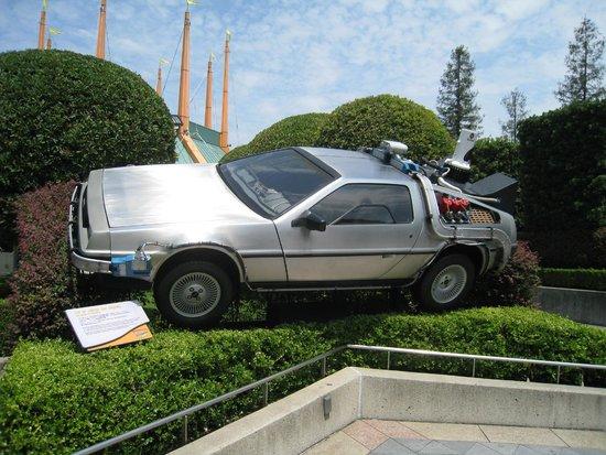 Universal Studios Japan: Carro do filme De volta para o futuro