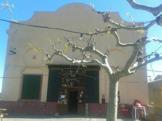Cantallops, สเปน: Societat la concordia