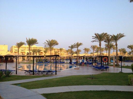 Jaz Samaya Resort : Pool im Innenbereich