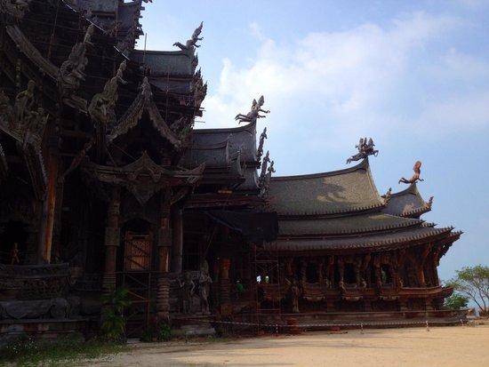 Sanctuary of Truth (Prasat Sut Ja-Tum): View