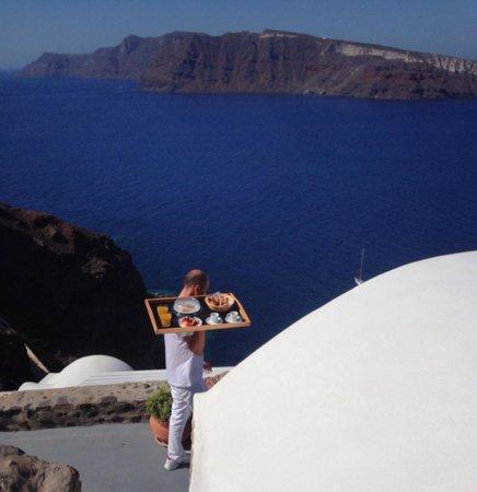 Esperas Santorini : The breakfast is coming !
