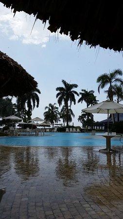 Zuana Beach Resort: Zona de piscinas