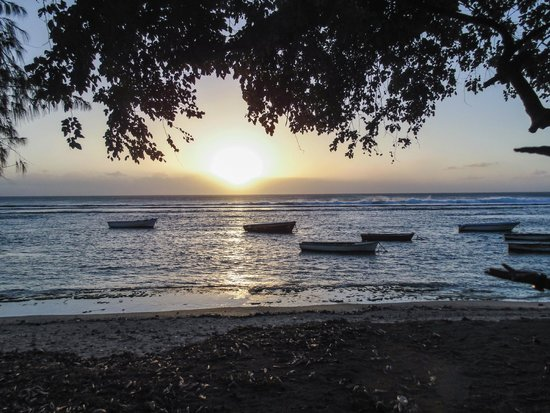The Oberoi, Mauritius: Sunset at a nearby beach