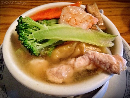 Great China Restaurant: Wonton Soup with Chicken & Shrimp
