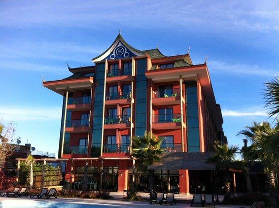 Siam Elegance Resort & Spa: Vue sur l'un des bâtiment de l'hôtel